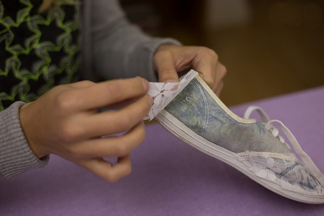 lace design renovation diy shoes makeover idea summer fashion idea