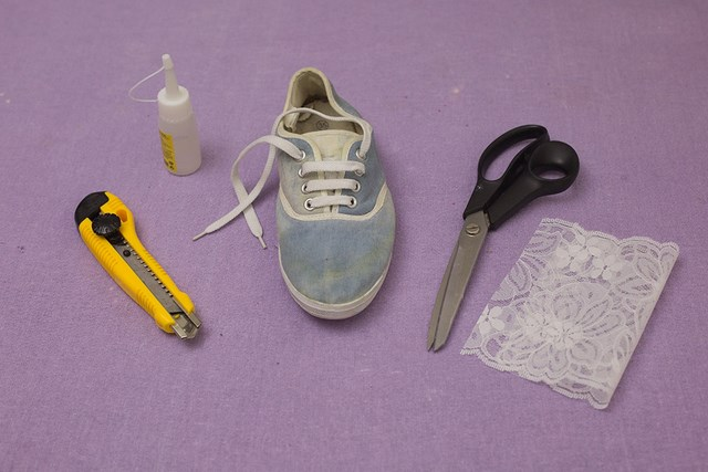 step by step tutorial used materials diy shoes makeover idea