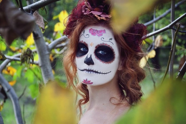 empty eye effect halloween makeup ideas sugar skull makeup women face art