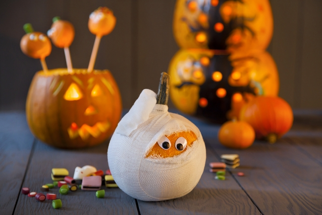 homemade-halloween-decorations-party-ideas