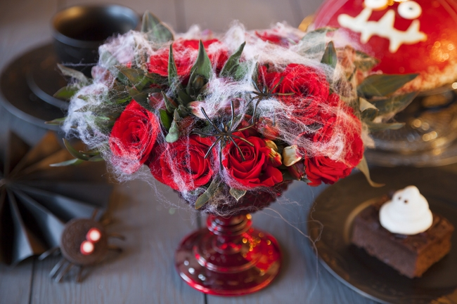 homemade halloween decorations party table decor red roses cotton wool