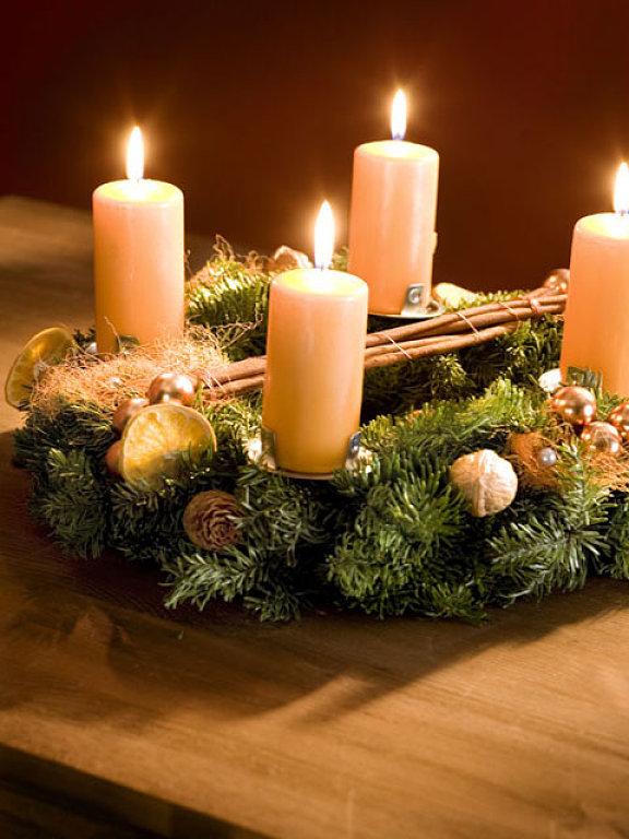 Christmas Candle Centerpiece Table Pillar Candles Wreath