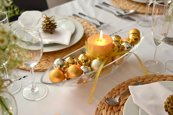 christmas-table-centerpiece-gold-silver-glass-bowl