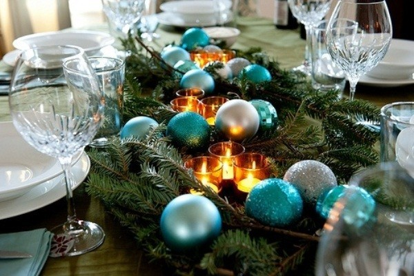 diy christmas candle centerpiece dining-table-runner-evergreens-turquoise-tree-ornaments