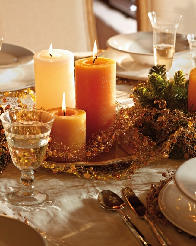 diy christmas candle centerpieces table-orange-gold-pillar-candles