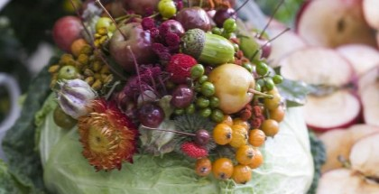 diy-fall-table-decor-cabbage-vase-fruits-vegetables-flowers-arrangement