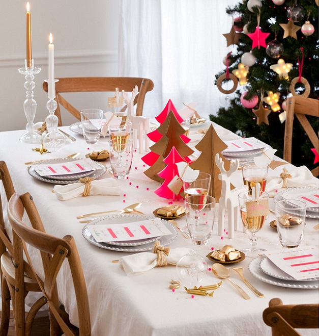 5 christmas table setting ideas in different styles for Deco table de noel fait maison