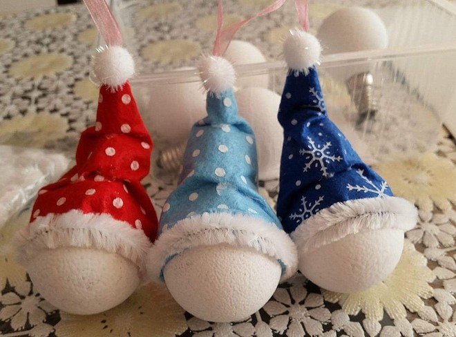 diy-christmas-light-bulb-ornaments-painting-base-white