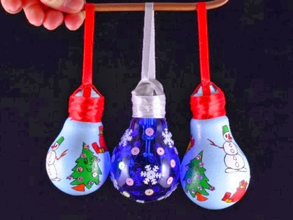 diy-christmas-ornaments-light-bulbs-stickers-sequins