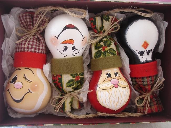 diy christmas tree ornaments light-bulbs-cute-faces