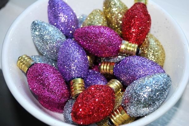 light-bulbs-ornaments-diy-colorful-glitter
