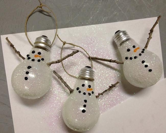 light-bulbs-snowman-christmas-tree-ornaments