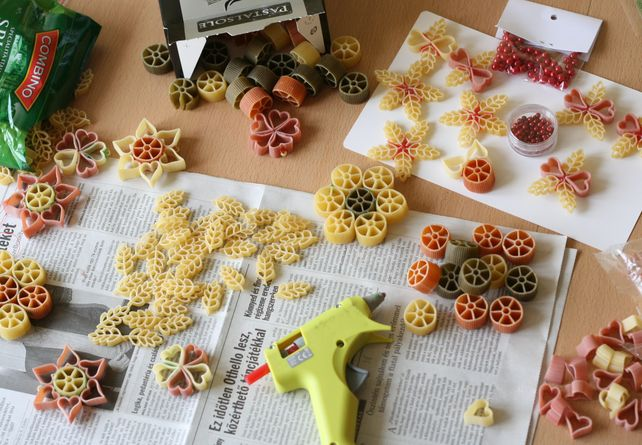 diy-christmas-decorations-pasta-different-forms