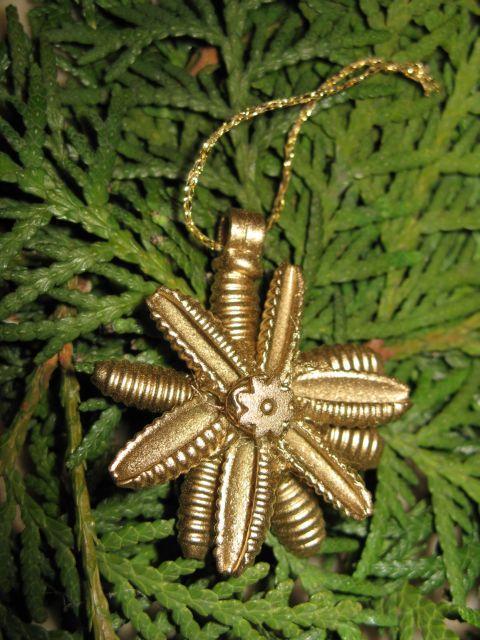 diy-christmas-tree-ornaments-small-star-pasta