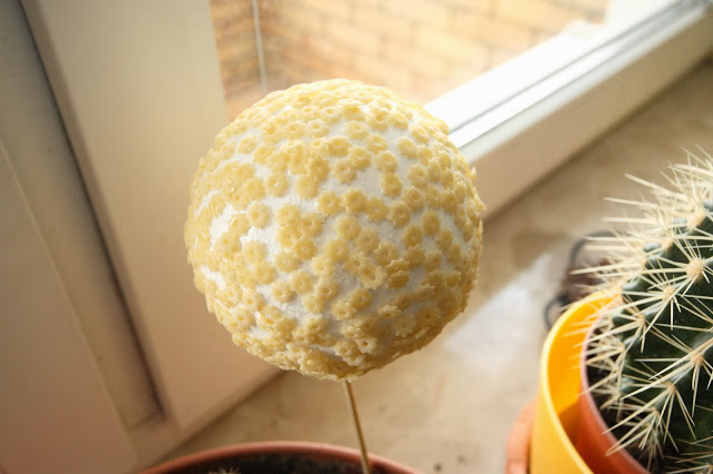 homemade christmas decorations styrofoam-ball-pasta-stars