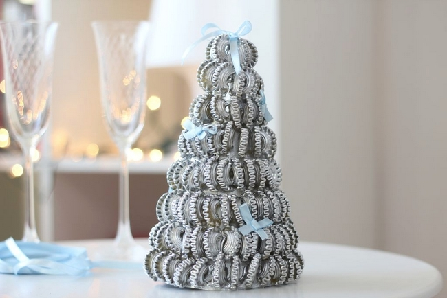 homemade christmas ornaments silver-sprayed-pasta-tree