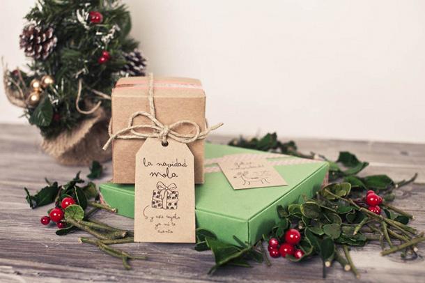 gift packaging arrangement kids handmade named cards scandinavian christmas decorations