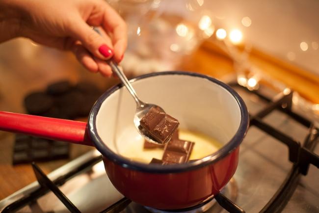 melting-dark-chocolate-christmas-cupcakes