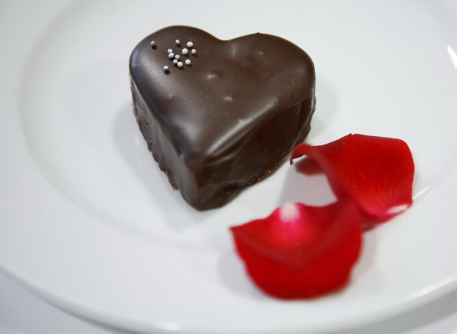 Valentine's day dessert recipes  -heart-shaped-ganache-cakes
