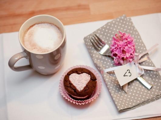 Valentine's Day gift ideas chocolate-muffins-strawberry-cream