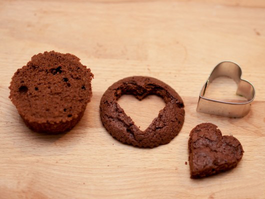 Valentine's Day gift ideas homemade-chocolate-muffins