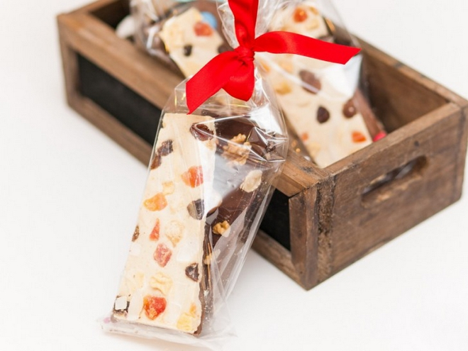 valentines-day-gift-treats-wrapped-up-chocolate-bars