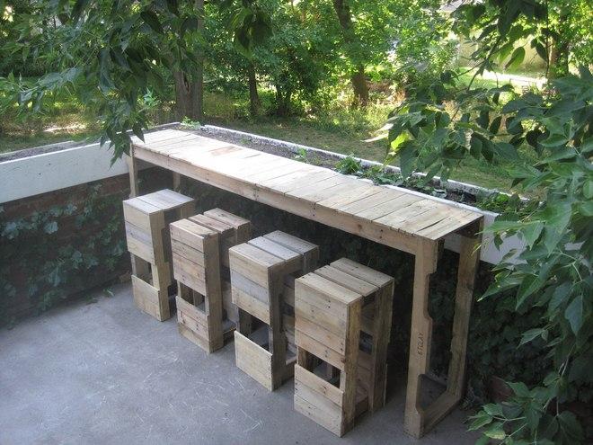 diy-pallet-furniture-ideas-garden-bar-counter-stools