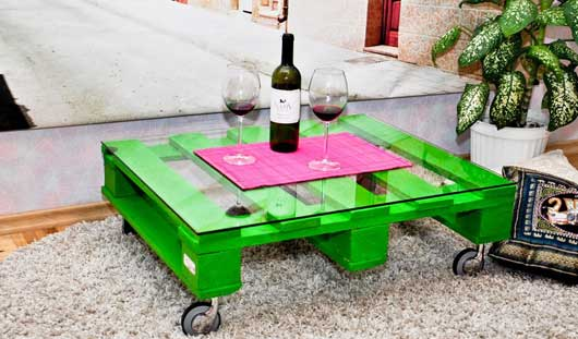 diy-pallet-furniture-ideas-green-painted-couch-table-glass-top