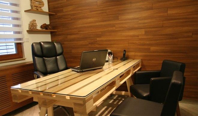 diy-pallet-furniture-ideas-home-office-desk-glass-top