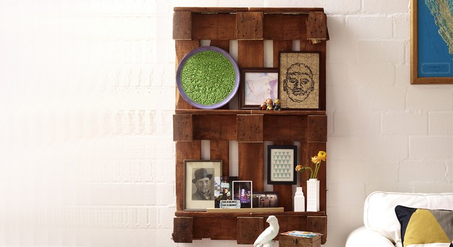 diy-pallet-furniture-ideas-living-room-wall-shelving