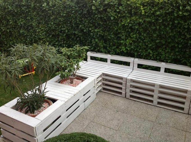 Diy Pallet Furniture Ideas Patio Seating Area Planters