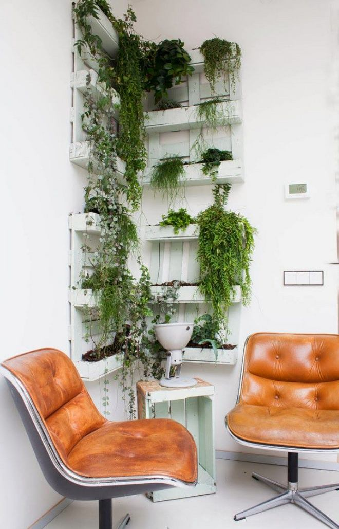 diy pallet furniture ideas wall-shelves-balcony-plants