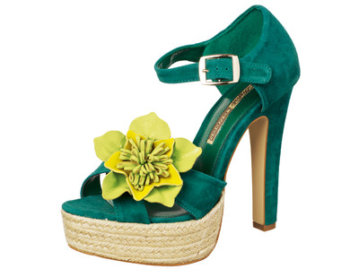 DIY summer ideas green-sandals-diy-yellow-leather-flower