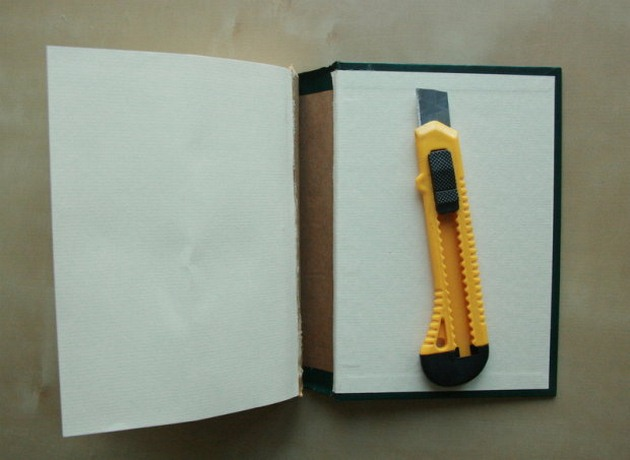 business card display stand tutorial-book-utility-knife