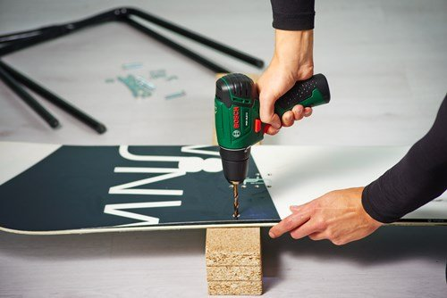DIY Upcycled Furniture Ideas Reusing Skis And Snowboard
