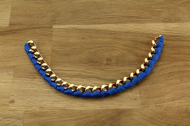 chain-ribbon-necklace-tutorial-blue-ribbon