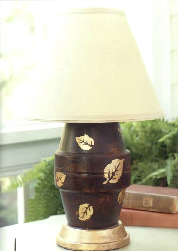 clay pot craft ideas diy-lamp-stand-painting-gold-leaves
