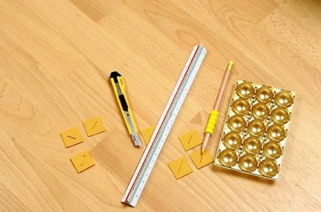 diy ring storage box -empty-gold-chocolate-insert