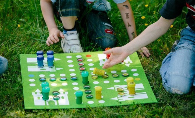 Homemade games for kids - DIY Ludo board game