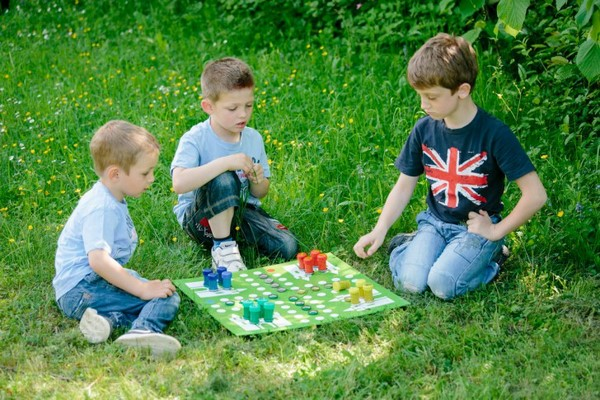 summer time entertainment idea diy ludo board game for kids