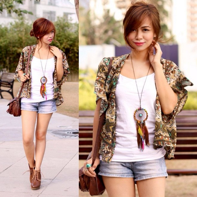 how-to-wear-kimono-jacket-jeans-shorts-dreamcatcher-necklace
