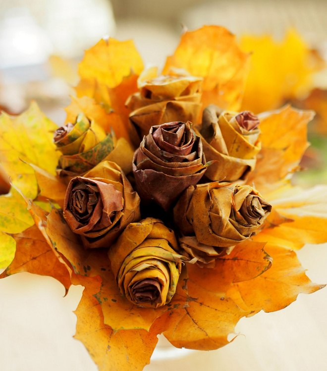 fall-leaf-crafts-kids-thanksgiving-rose-bouquet-maple-leaves