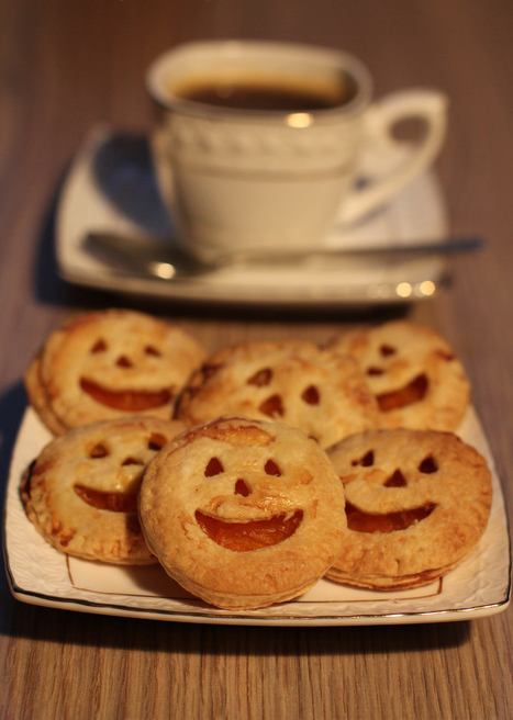 halloween-baking-ideas-recipes-treats-pumpkin-jam-jack-o-lanterns-sweets