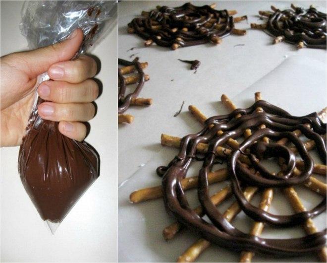 halloween-kids-desserts-spiderwebs-chocolate-salty-sticks