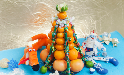 unique-diy-christmas-tree-made-of-fruits-and-candy-featured