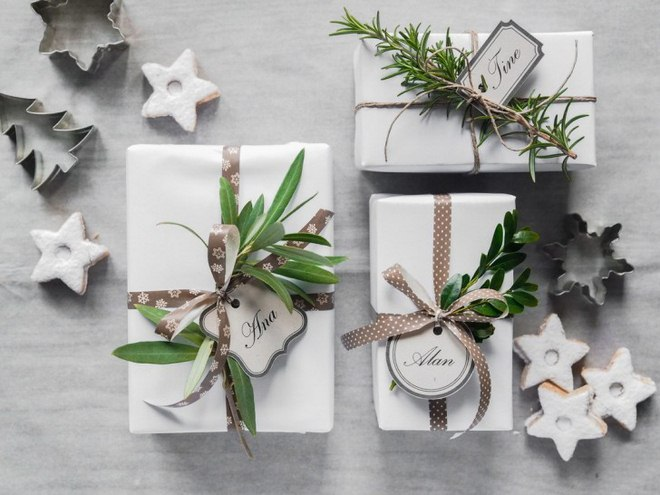 christmas-gift-wrapping-ideas-easy-white-brown-green