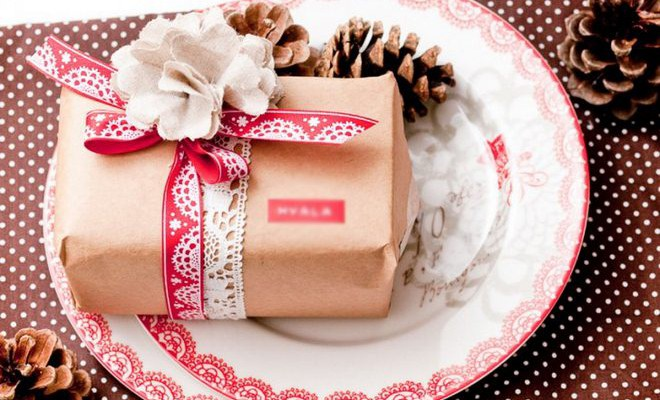 How To Wrap Christmas Presents.7 Easy Christmas Gift Wrapping Ideas With Minimalist Appeal