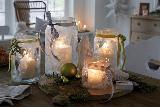 DIY Christmas jar crafts frost-effect-spray-ribbons