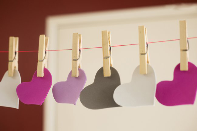 diy-valentines-crafts-garland-colorful-foam-hearts-wooden-clothespins