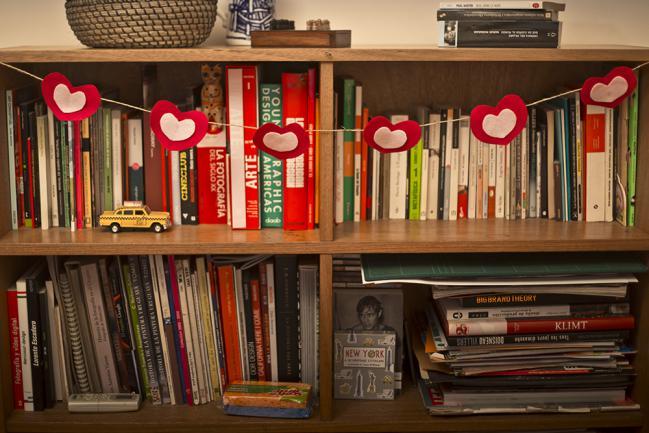 diy-valentines-crafts-garland-home-decor-felt-hearts